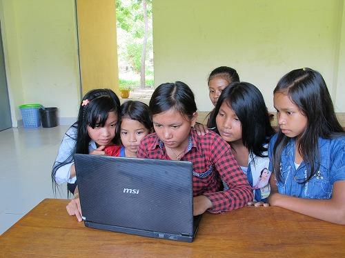30ドルあれば女の子1人が出稼ぎに出ることを防止する活動を実施でします。