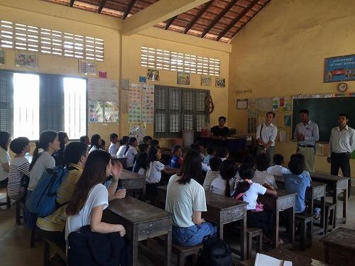 プレイロバ小学校訪問