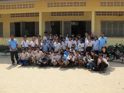 小学校での集合写真