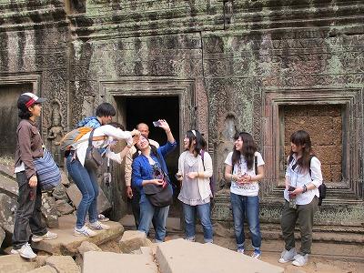 タ・プローム寺院で