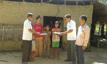 子どもたちが募金活動で、最貧困世帯の子どもに文房具を支援!